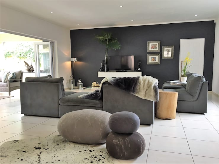 House Linden - Johannesburg:  Living room by House of Gargoyle