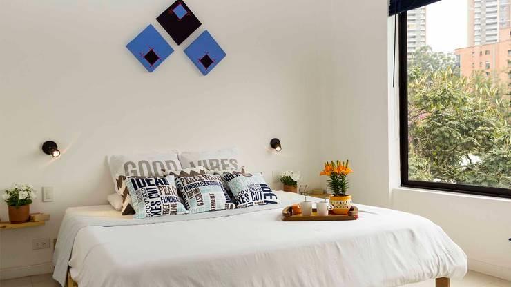 Cuarto principal con Home Staging:  de estilo  por homeblizz,
