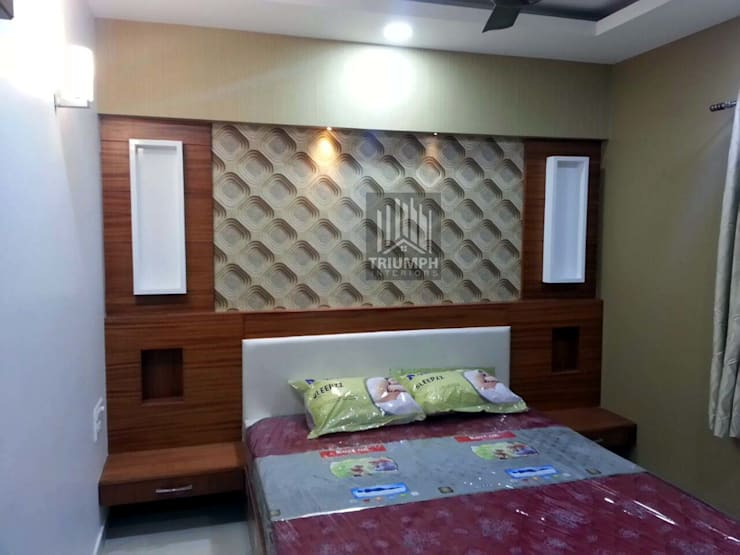 Master Bed room Bed:  Bedroom by TRIUMPH INTERIORS