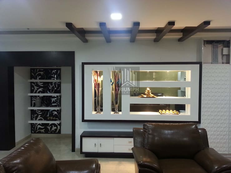 Living Room Display: modern Living room by TRIUMPH INTERIORS