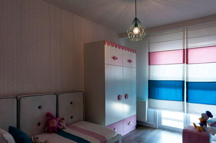 Chambre d'enfants de style  par Este Mimarlık Tasarım Uygulama San. ve Tic. Ltd. Şti.