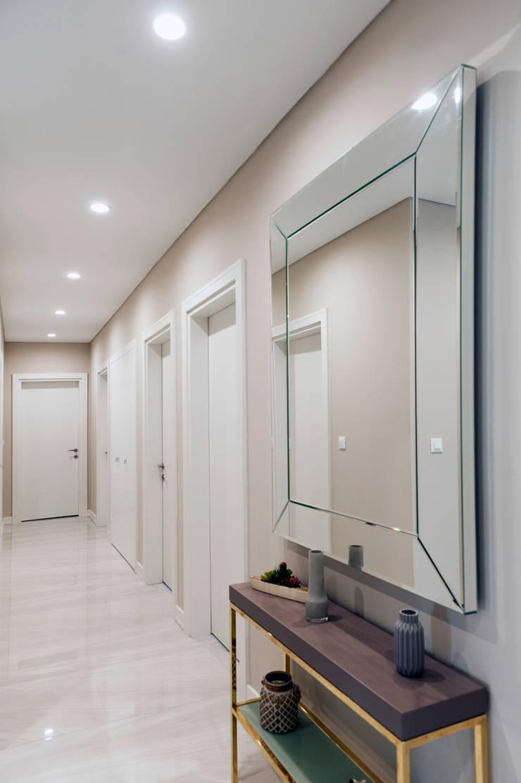 Couloir, entrée, escaliers de style  par Este Mimarlık Tasarım Uygulama San. ve Tic. Ltd. Şti.