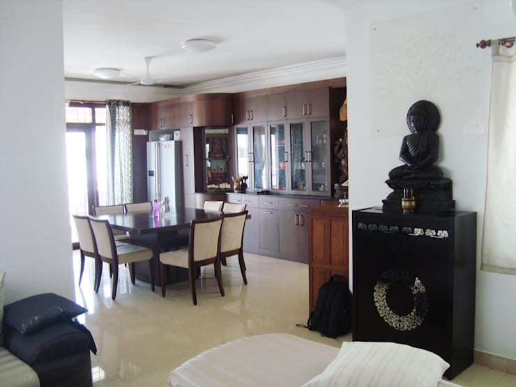 RESIDENT INTERIOR:  Dining room by Inshows Displays Private Limited