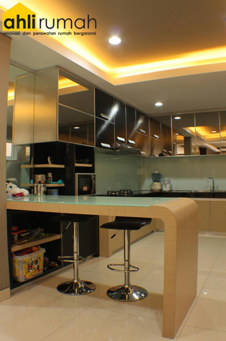 Rumah Tinggal Bpk Yanto:  Dapur by ahlirumah.id