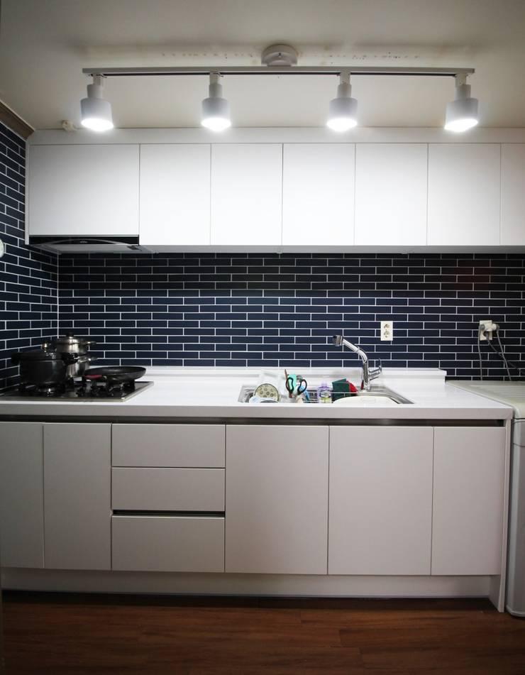 용문동 덕일 한마음 아파트: 에이프릴디아의  다이닝 룸