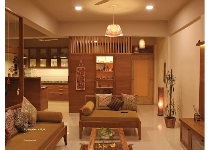 Astha emrald:  Living room by studio18_by_sneha,Classic