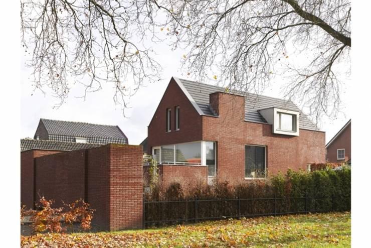 villa Van Helvert, Drunen:   door van den hout & kolen architecten