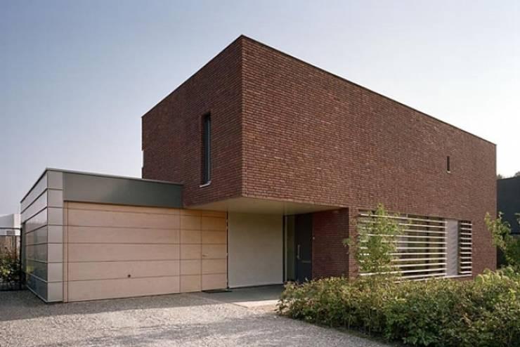 villa Van der Plas, Goirle:   door van den hout & kolen architecten