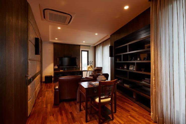 RESIDENCE IN DEHLI:  Hotels by ALEX JACOB ARCHITECT