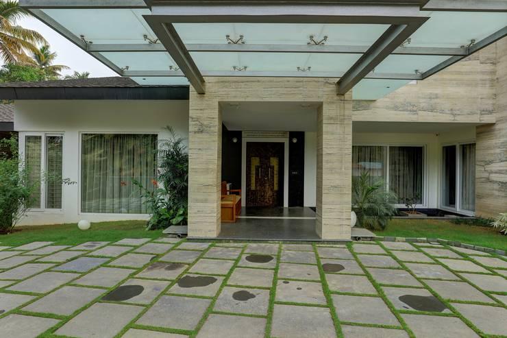 SIRAJ RESIDENCE: modern Houses by ALEX JACOB ARCHITECT