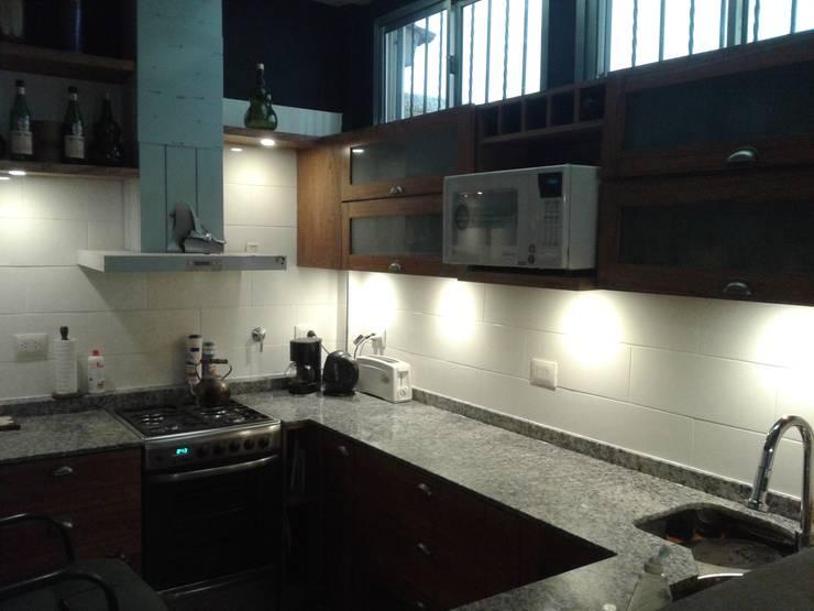 Interior. Remodelación vivienda en Villa Real, CABA.: Cocinas de estilo  por Inca Arquitectura,