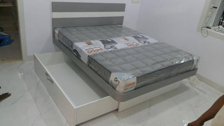 Project:  Bedroom by Manvi kitchen world & Interior solution,Modern