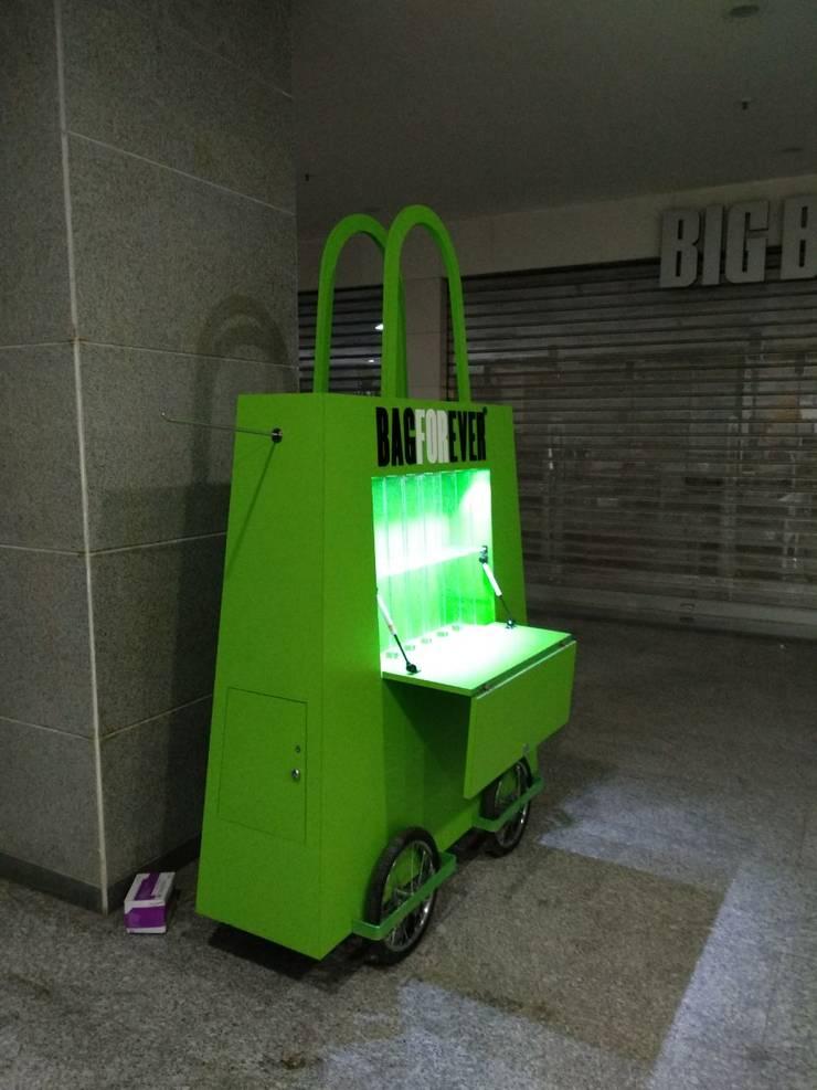 Project:  Corridor & hallway by Manvi kitchen world & Interior solution,Modern