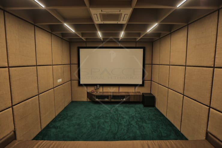 TAO..pure emptiness:  Media room by SPACCE INTERIORS,Modern