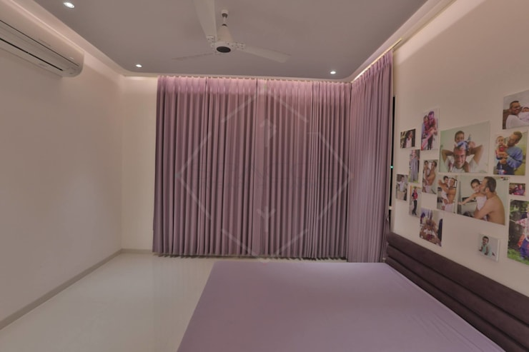 TAO..pure emptiness:  Bedroom by SPACCE INTERIORS,Modern