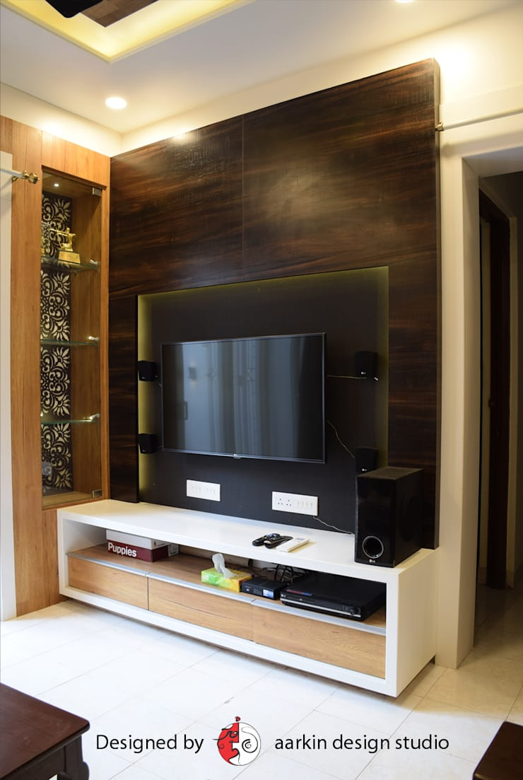 2bhk @ bibwewadi: modern  by aarkin design studio,Modern