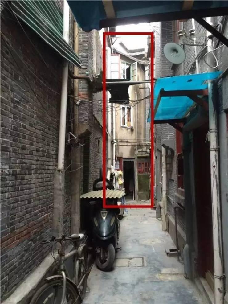 Mặt tiền nhà phố trước khi cải tạo:  Nhà gia đình by Công ty TNHH Thiết Kế Xây Dựng Song Phát