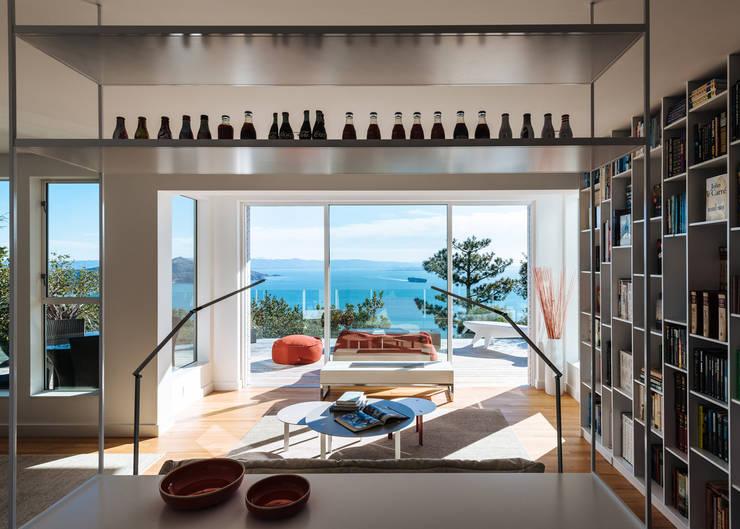 Sausalito Outlook:  Kitchen by Feldman Architecture