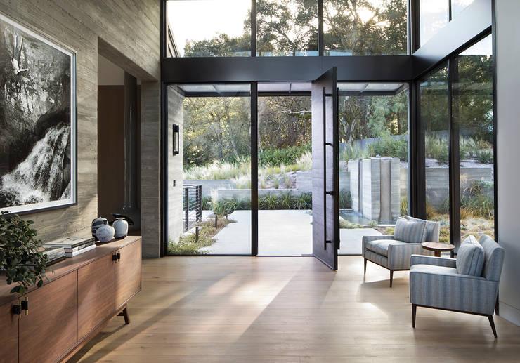 Woodpecker Ranch:  Doors by Feldman Architecture