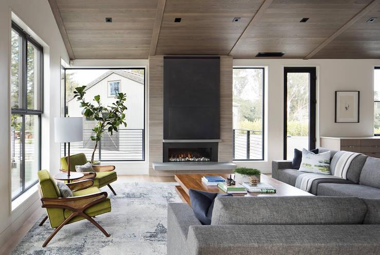 Woodpecker Ranch:  Living room by Feldman Architecture