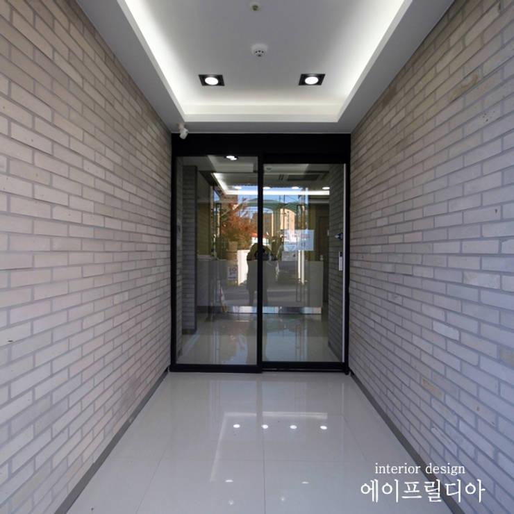 서산 서울정형외과 : 에이프릴디아의  복도 & 현관,