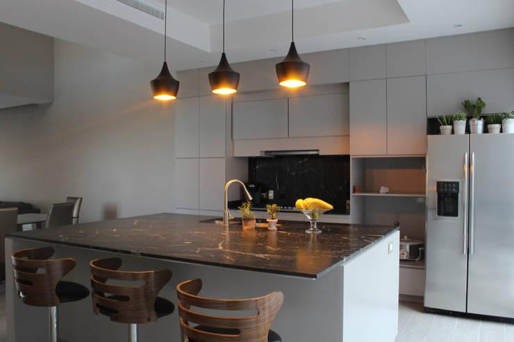 Residencial Pedregal: Cocinas de estilo moderno por Grupo Involto