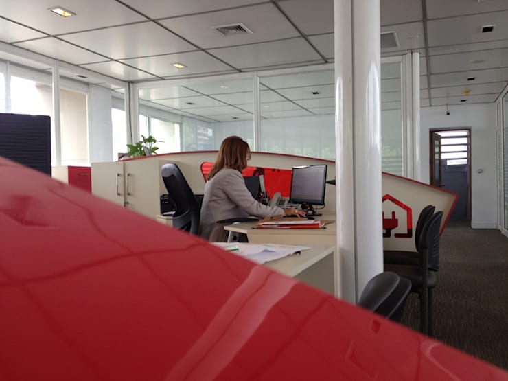 oficina comercial Chilquinta Viña del Mar: Oficinas y Comercios de estilo  por IDEAfactory