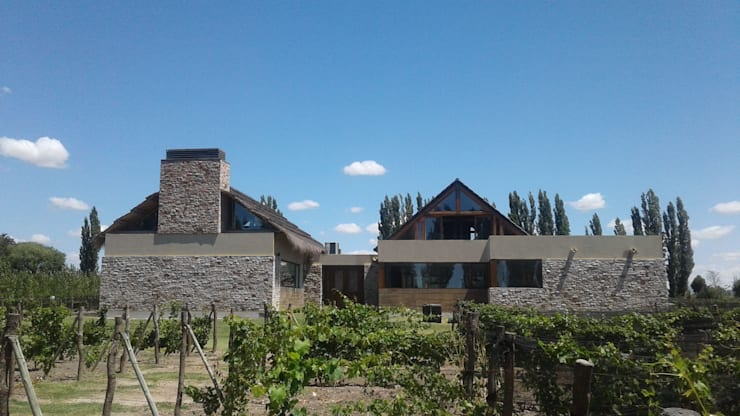 Vivienda en Algodon: Casas de estilo rústico por Azcona Vega Arquitectos