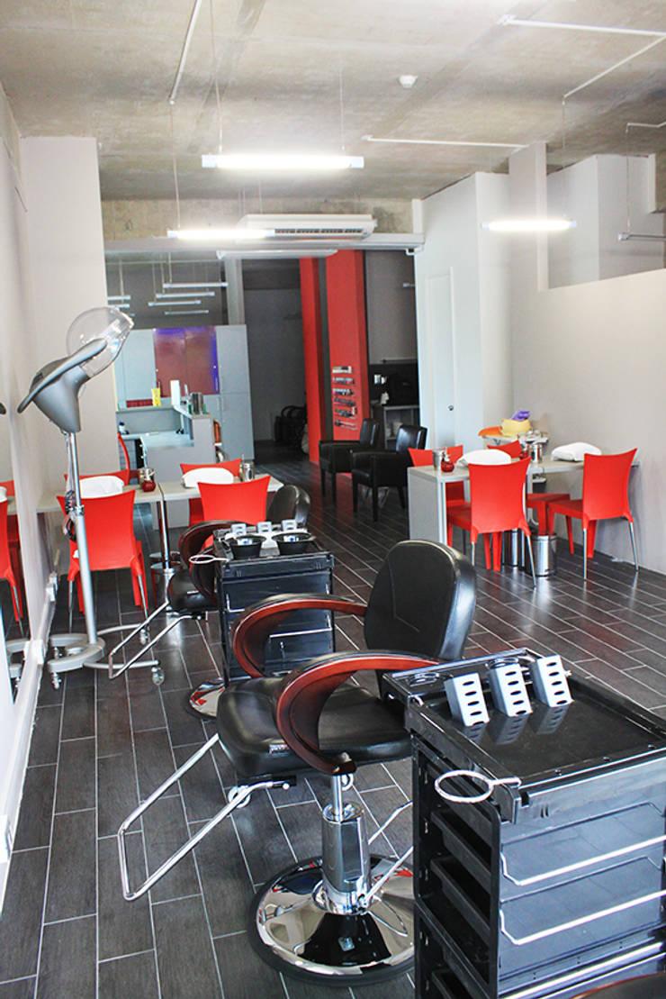 peluquería: Spa de estilo  por IDEAfactory