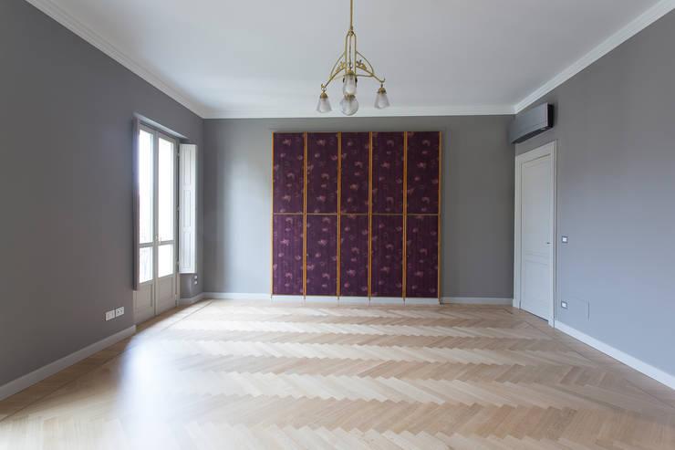 Casa U+M: '800 reloaded: Camera da letto in stile  di Architetto Francesco Franchini
