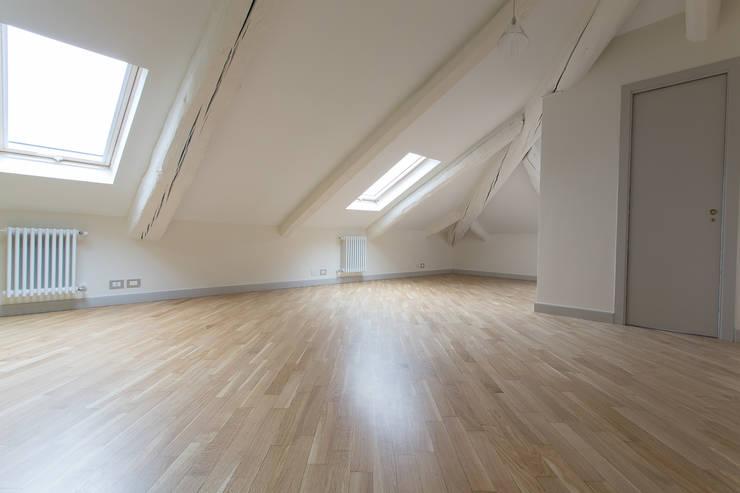 Casa U+M: '800 reloaded: Studio in stile  di Architetto Francesco Franchini