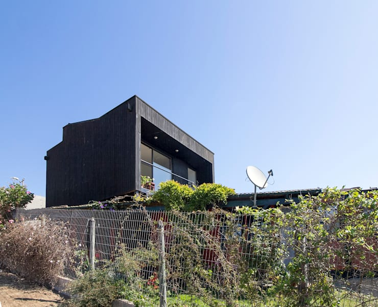 Single family home by Crescente Böhme Arquitectos, Modern Wood Wood effect