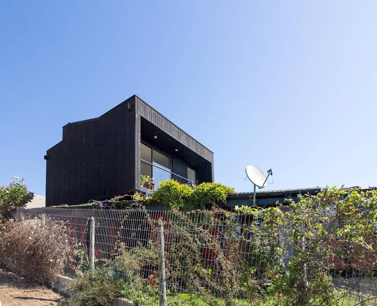獨棟房 by Crescente Böhme Arquitectos, 現代風 木頭 Wood effect