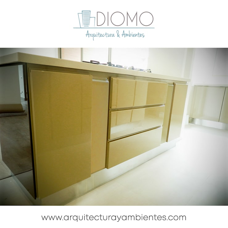 Cocina 2: Cocina de estilo  por Diomo Arquitectura y Ambientes