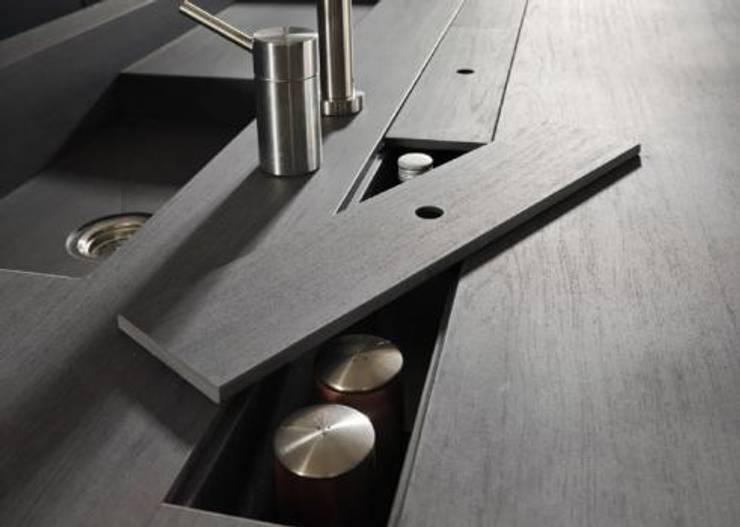 Proyecto de diseño interior y mobiliario: Cocinas de estilo  por Felipe Lara &  Cía , Minimalista Granito