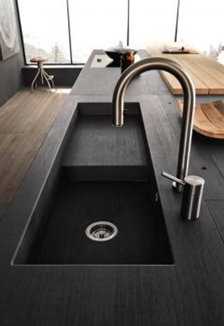 Proyecto de diseño interior y mobiliario: Cocinas integrales de estilo  por Felipe Lara &  Cía , Minimalista Granito