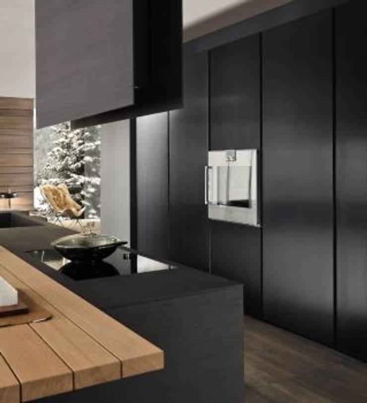 Proyecto de diseño interior y mobiliario: Armarios de cocinas de estilo  por Felipe Lara &  Cía , Minimalista Madera Acabado en madera