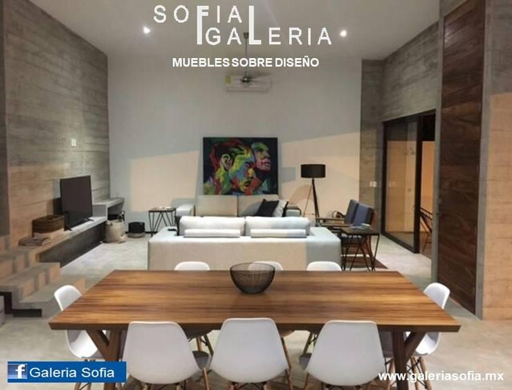 Sala comedor: Comedor de estilo  por Galeria Sofia
