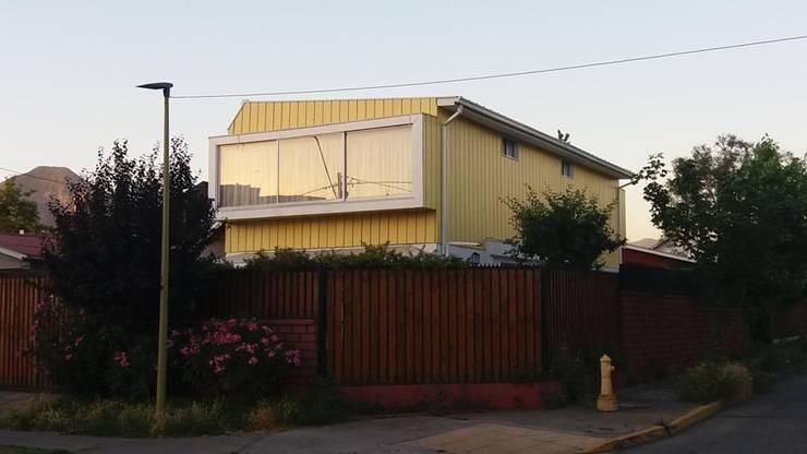Fachada: Viviendas colectivas de estilo  por Arquitectura & servicios aociados