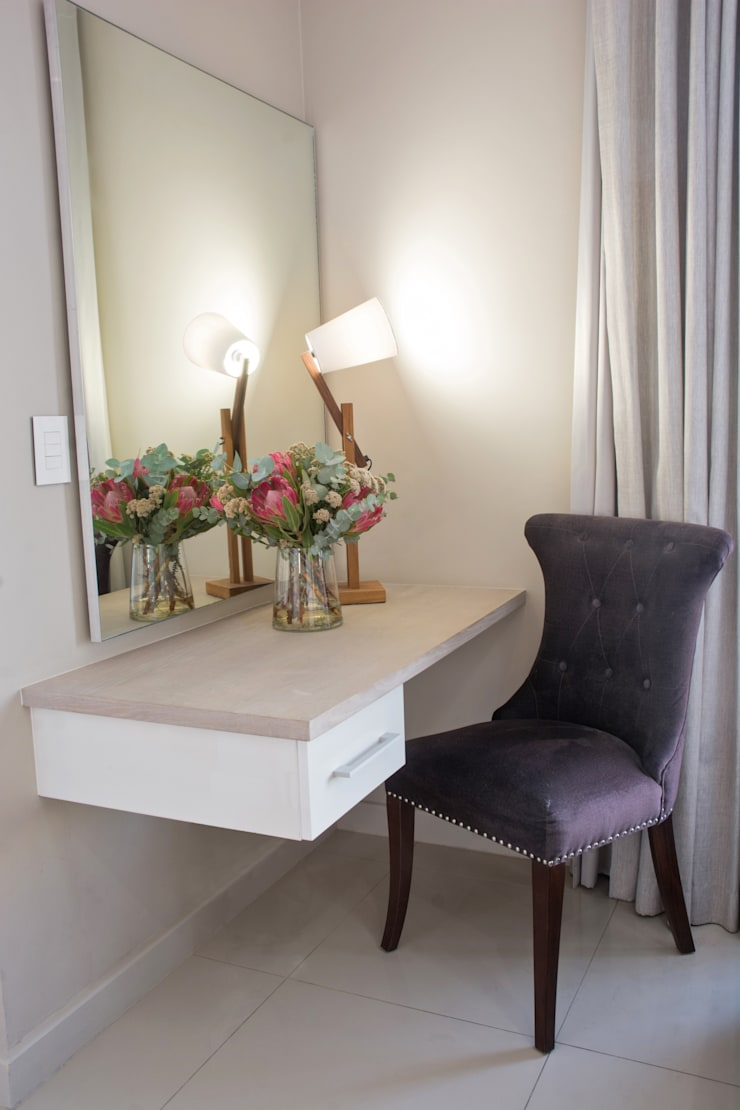 Stellenbosch Luxury self catering apartments:  Dressing room by Kraaines Interiors - Decor by Cherice