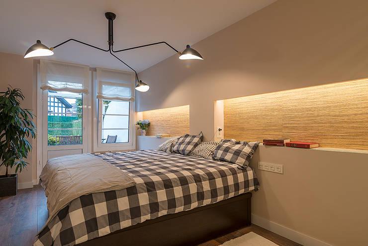 Reforma integral en Neguri: Dormitorios de estilo clásico de Gumuzio&PRADA diseño e interiorismo