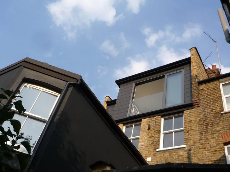Loft Conversion:  Terrace house by A2studio