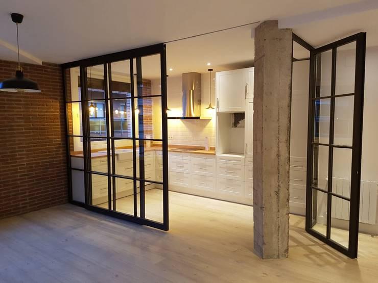 Kitchen by Gumuzio&MIGOYA arquitectura e interiorismo