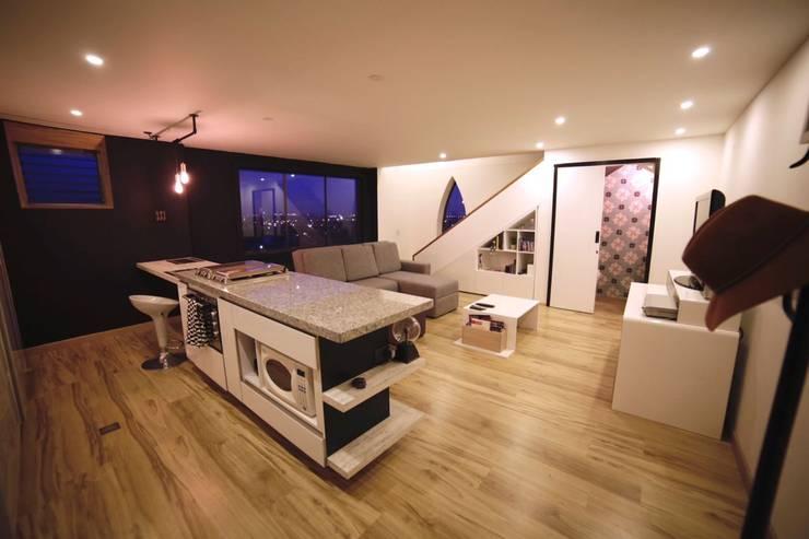 APARTAMENTO GP-43: Salas de estilo  por RIVAL Arquitectos  S.A.S.
