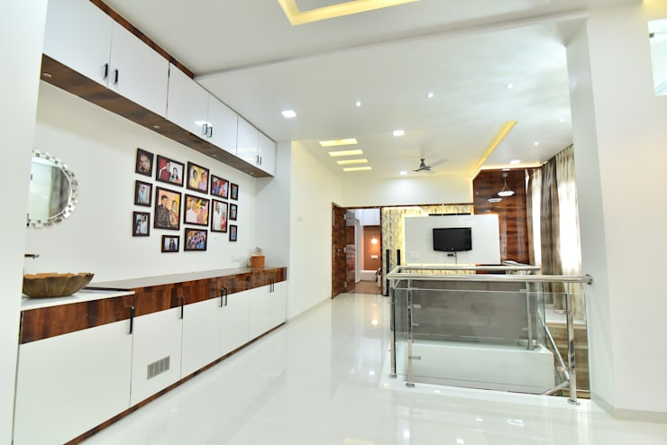 family room:  Living room by Alag Interior,Modern