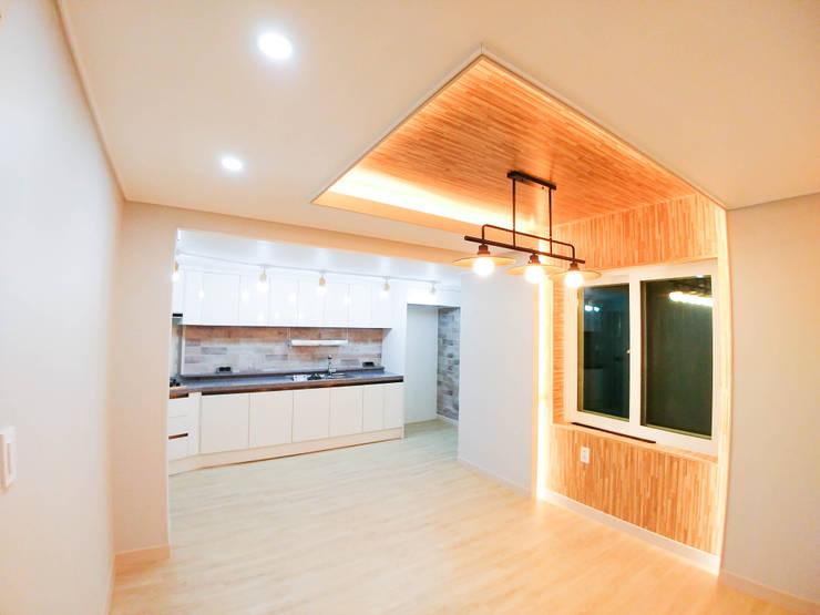 고창 동리로 단독주택 리모델링: 더하우스 인테리어의  다이닝 룸