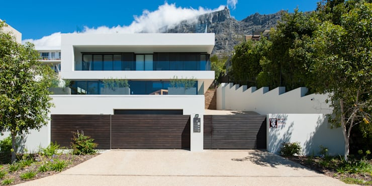 Detached home by JBA Architects
