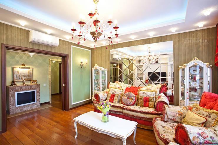 Гостиная в классическом стиле на Парковой Гостиная в классическом стиле от Технологии дизайна Классический