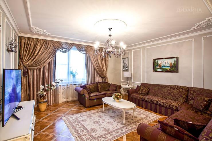 Гостиная в классическом стиле в Реутове Гостиная в классическом стиле от Технологии дизайна Классический