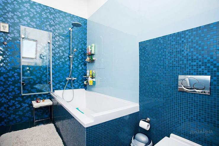 Ванная в современном стиле в таунхаусе Глухово: Ванные комнаты в . Автор – Технологии дизайна, Модерн